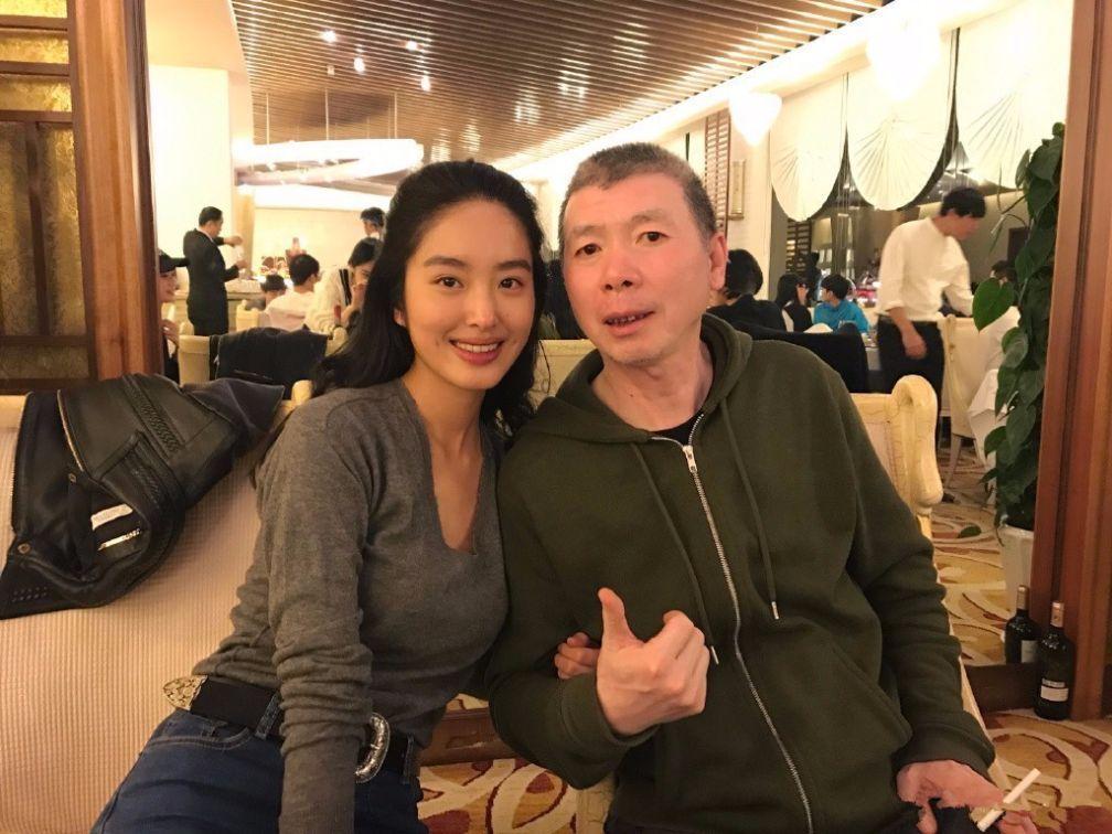 杨采钰点赞刘亦菲黑料,刘亦菲三字回应,这是要开撕的节奏吗?