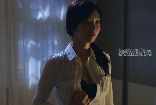 裴涩琪床上裸戏照片