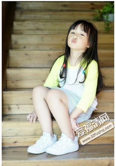 女孩刘楚恬,真的惊艳到爱福清小编我了,人小鬼大聪明伶俐已经不够形容图片