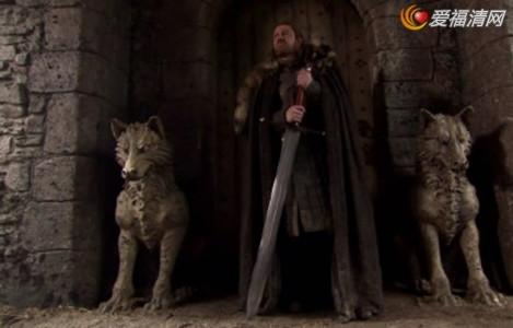 《权力的游戏第五季》第五季08集里面斯诺的剑可以秒杀异...