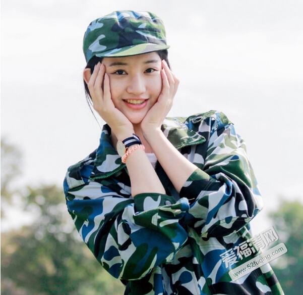 近日一组名为浙江高校军训女神的照片在网络