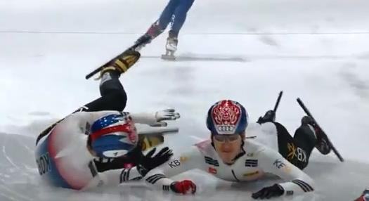 韩国运动员欲耍小聪明赢中国选手,结果自己悲剧了,网友齐力叫好