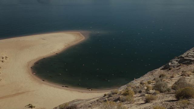 科幻神剧《西部世界》第二季开播,评分虽高但收视却下滑