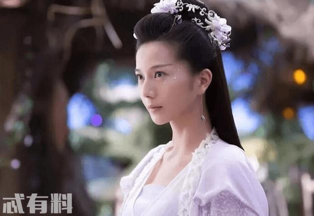 如何评价彭杨在《香蜜沉沉烬如霜》中饰演的长芳主?
