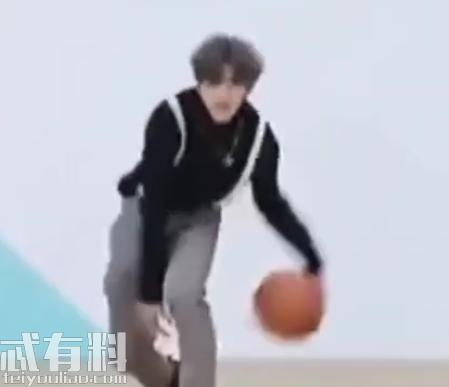 蔡徐坤打篮球为什么被黑?蔡徐坤打篮球什么梗表情包大全