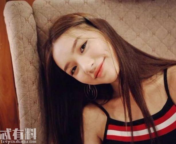 乔欣小号曝光曾点赞杨洋相关微博 两人私下关系被疑在一起了